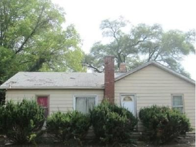 3 Bed 1 Bath Foreclosure Property in Silvis, IL 61282 - 3rd St