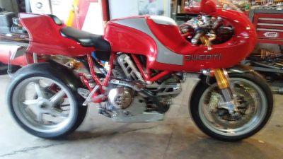 2001 Ducati MH900
