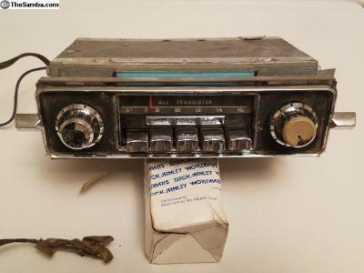 1966 AM Sapphire III Radio Complete