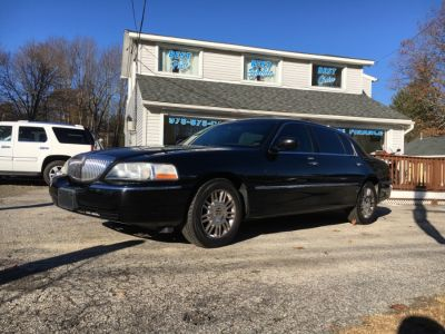2006 Lincoln Town Car Signature L (Black)