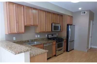 2 bedrooms Apartment - Unit 9 - washer/dryer In-Unit.