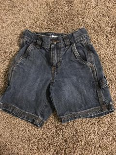 2t Old Navy jean shorts GUC