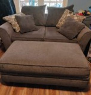 couch loveseat and ottoman