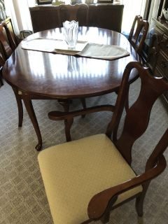 Cherry wood Dining room table 6 Chairs