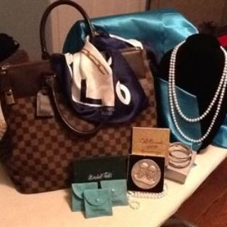 Louis Vuitton/Gucci/Burberry/Jewelry &MORE