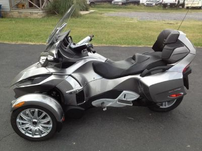 2013 CAN AM SPYDER RT Motorcycle