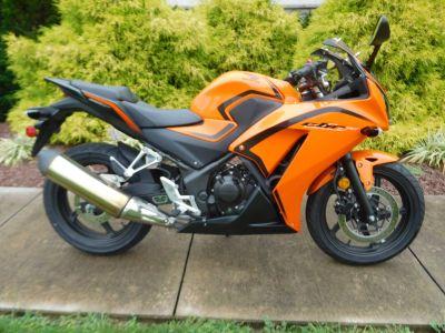 2016 Honda CBR300R Sport Motorcycles Manheim, PA