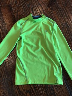 Old navy athletic shirt size 12