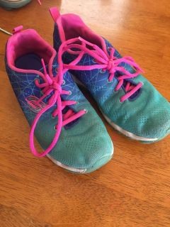 Girls Skechers size 2 1/2. Used but still has lots of life left