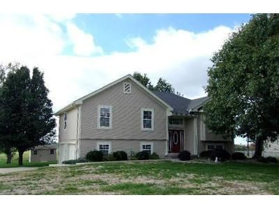 3 Bed Preforeclosure Property in Cameron, MO 64429 - Timberline Dr