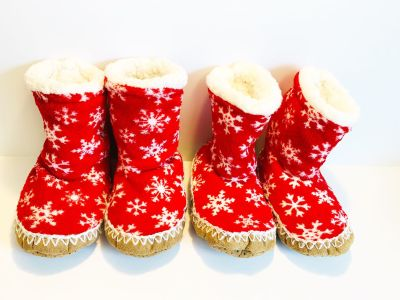 ELF ON A SHELF Red Toddler Christmas Slippers EUC