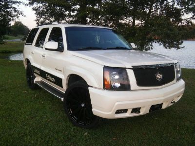 CUSTOM 2003 Cadillac Escalade 6.0 AWD FULLY LOADED SUV Truck Car