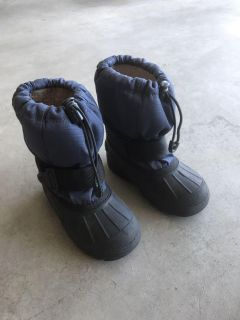 Toddler size 10 snow boots.