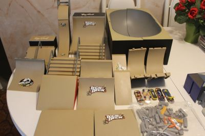 Tony Hawk Huge Set lot of Bike and Fingerboardn BMX Ramps Must See
