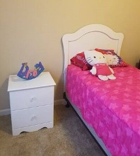 White 3 piece twin Bedroom set