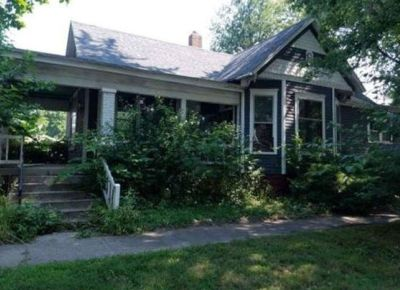 Single Family Home $17,900 Great Price w/Unlimited Potential!