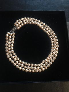 Triple stand faux pearl necklace