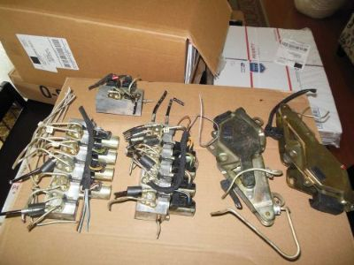 Find MERCEDES 129 SL320 SL500 SL600 CONVERTIBLE TOP HYDRAULIC VALVE BLOCK SOLENOID OE motorcycle in El Monte, California, United States, for US $120.00
