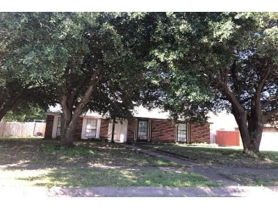 3 Bed 2.0 Bath Preforeclosure Property in Cedar Hill, TX 75104 - Kenya St