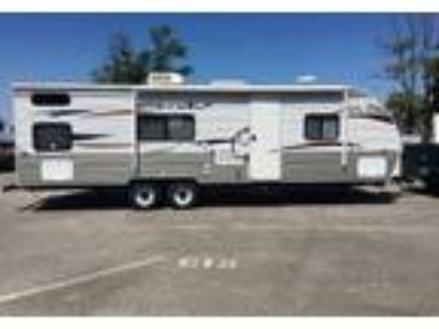 2012 Cherokee Grey-Wolf Travel Trailer in Louisville, KY