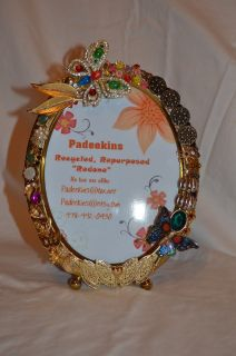 5X7 Oval Repurposed Table Top Picture Frame with Vintage Jewelry