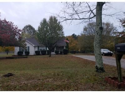 2 Bath Preforeclosure Property in Loganville, GA 30052 - Spring Valley Dr