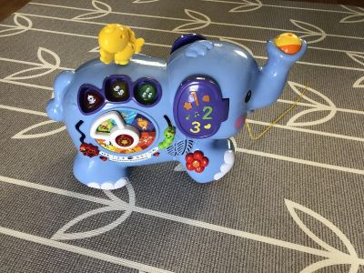 Pull & Discover Activity Elephant