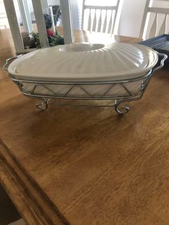 2 quart Baker porcelain dish with stand