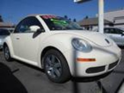 2006 Volkswagen New Beetle 2 5L Convertible Off White, Heated Seats
