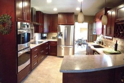 Complete Traditional Kitchen with Cherry Wood Cabinets