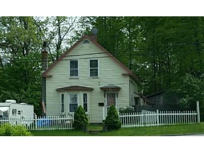 4 Bed 1 Bath Foreclosure Property in Derry, NH 03038 - South Ave