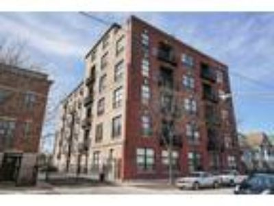 Chicago Two BR Two BA, 1820 North Spaulding Avenue 601