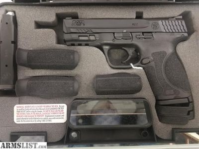 For Sale: S&w 2.0 compact