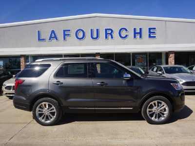 2019 Ford Explorer XLT FWD (Magnetic Metallic)