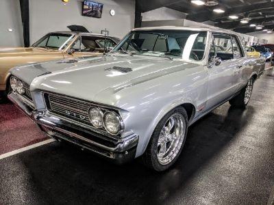 1964 Pontiac GTO (Silver)