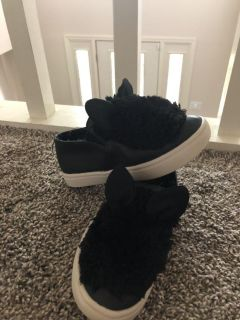 Super cute cat or bunny shoes size 10