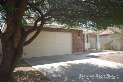 3 Bedroom with Den in well appointed Richmond American subdivision
