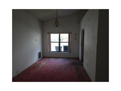 3 Bed 2 Bath Foreclosure Property in Apopka, FL 32703 - Woodfield Oaks Dr