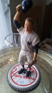 Mickey Mantle baseball statue