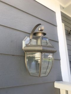 3x Outdoor lights. All for $5