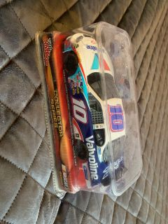 Racing champions 1:24 diecast car