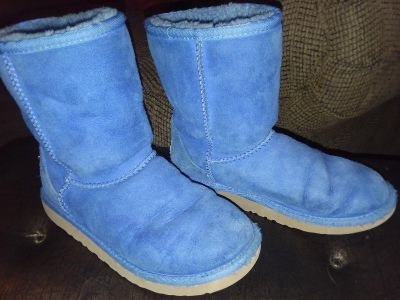 Ugg boots Girl's size 3