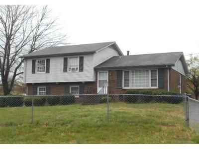3 Bed 1.1 Bath Foreclosure Property in Winston Salem, NC 27105 - Rosa St