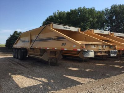 (7) Seven 2000/2002 Midland Belly Dump Trailers for sale in Norwhich, North Dakota.