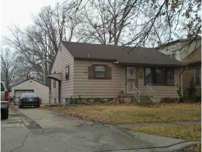 2 Bed 1 Bath Foreclosure Property in Granite City, IL 62040 - Edwards St