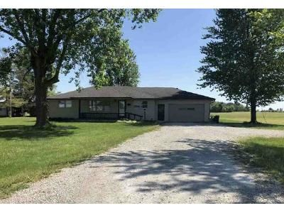 3 Bed 1.5 Bath Foreclosure Property in New Castle, IN 47362 - W Sr 38