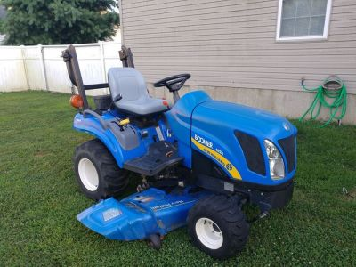 2011 New Holland Boomer 1020 compact tractor 4wd, 3 cyl diesel