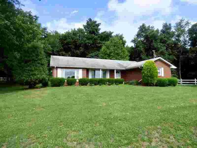 1368 Kimberlin Rd Rural Retreat Three BR, Rare opportunity to own