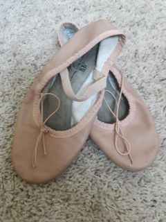 Ballet shoes/Slippers