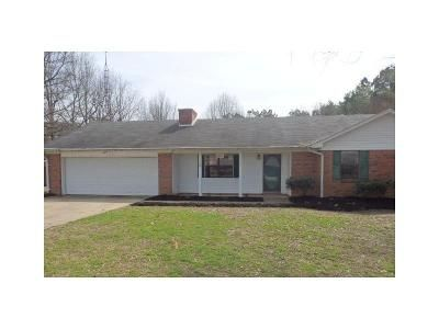 3 Bed 2 Bath Foreclosure Property in Blytheville, AR 72315 - Ramblewood Dr